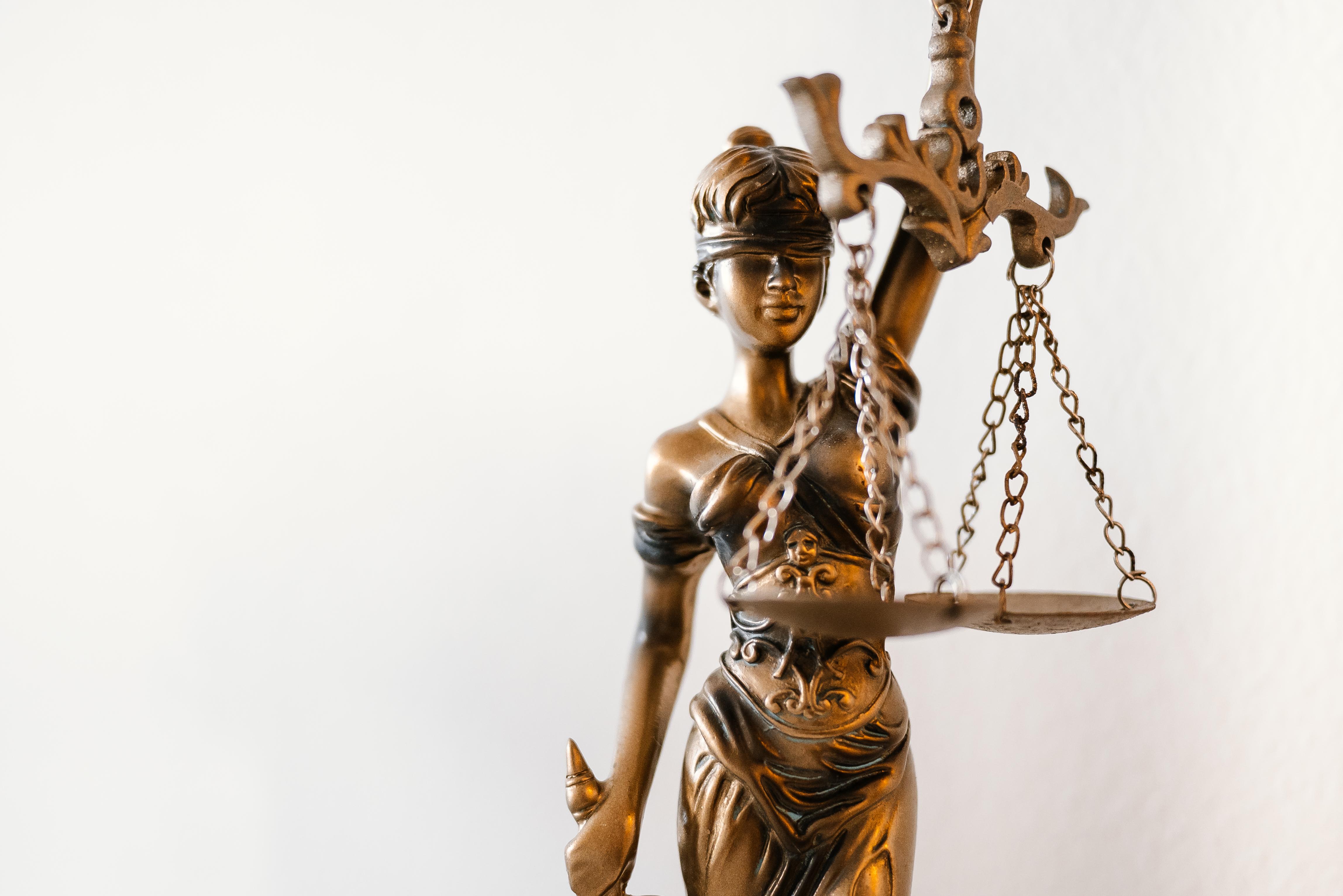 Lady-justice-picjumbo-com